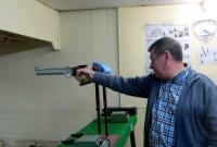 Au pistolet c'est moins facile.jpg
